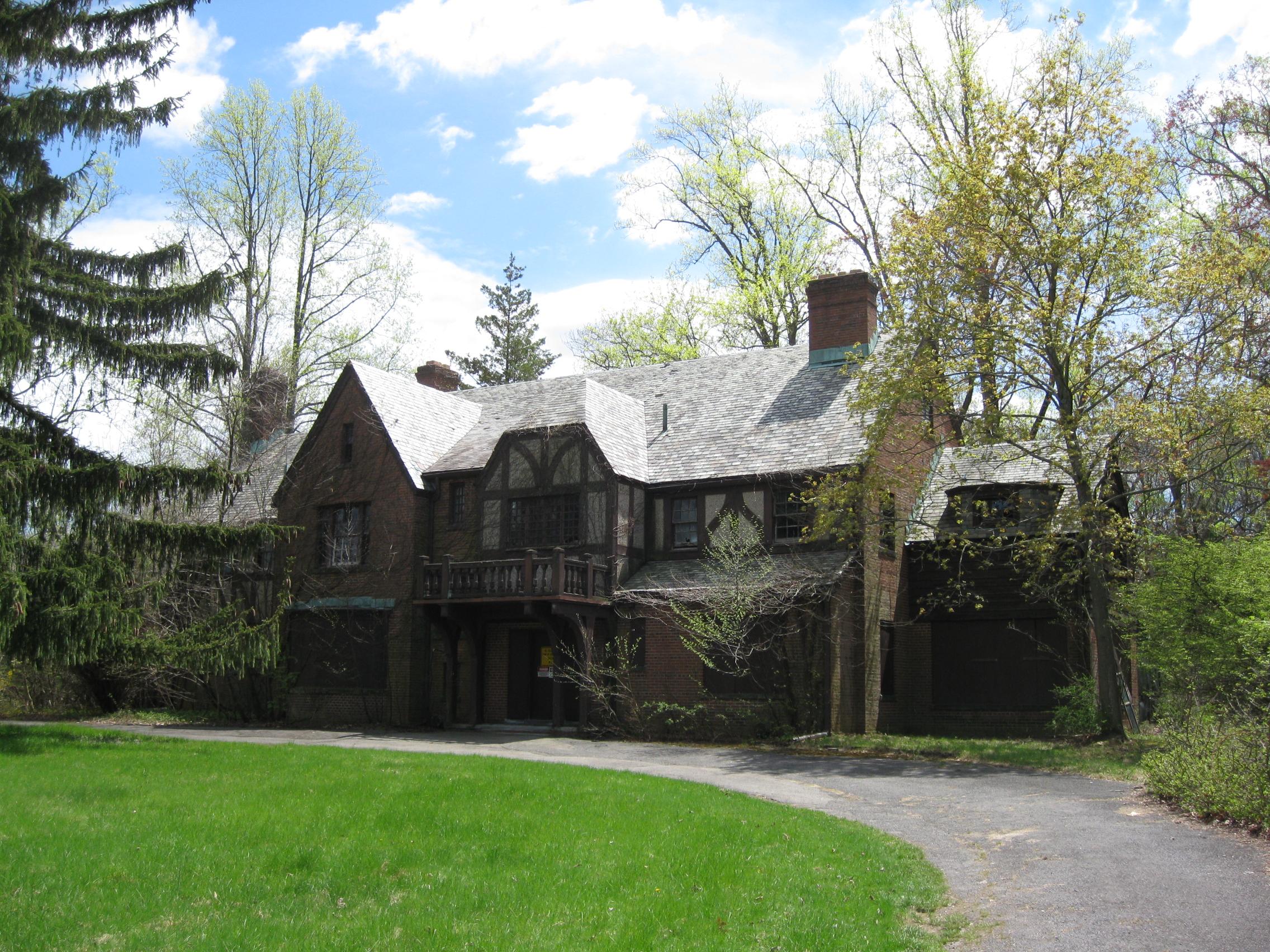 Admin Cottage